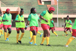 Quick training of the Cameroonian team a few minutes before the match in the stadium.JPG