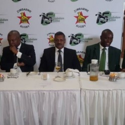 From left to right Gerald Mlotshwa (Chairman of the Sables Committee), Peter De Villiers (National T